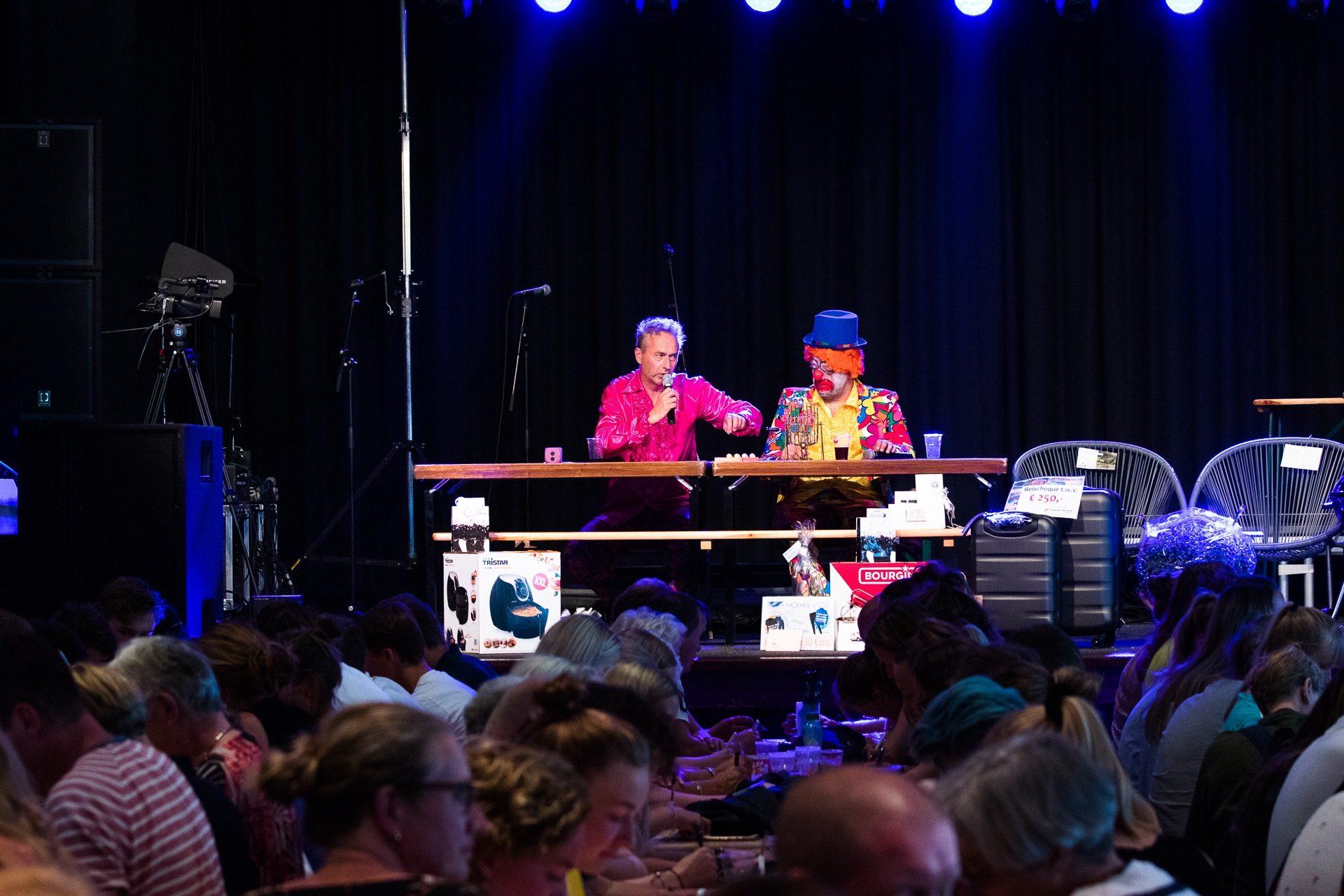 De jaarlijkse bingo met Willem en Freerk